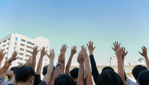 שלט בכל מרפסת: מחאת הארנונה שגרפה מאות תושבי כרמי גת