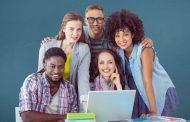 שר החינוך יואב גלנט בביקור בקרית גת : 1104 מחשבים ניידים יחולקו לתלמידי העיר