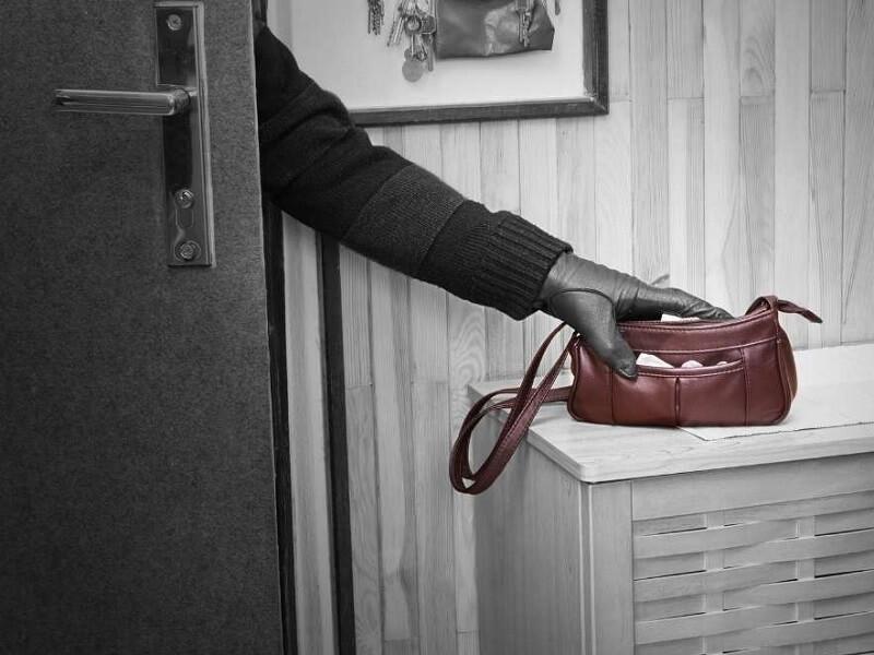 עדכון: הגנבים פרצו לדירה ברחוב הנרייטה סאלד בכרמי גת